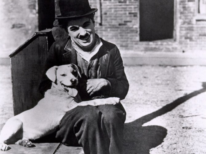 Chaplin-charlie-chaplin-sorrindo
