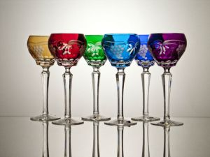Roemer_wine_crystal_glass