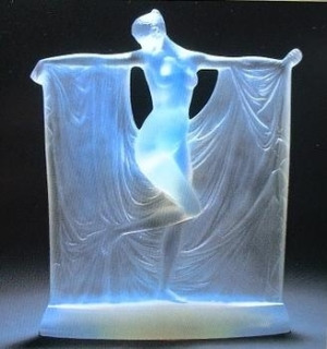 glass-woman-4